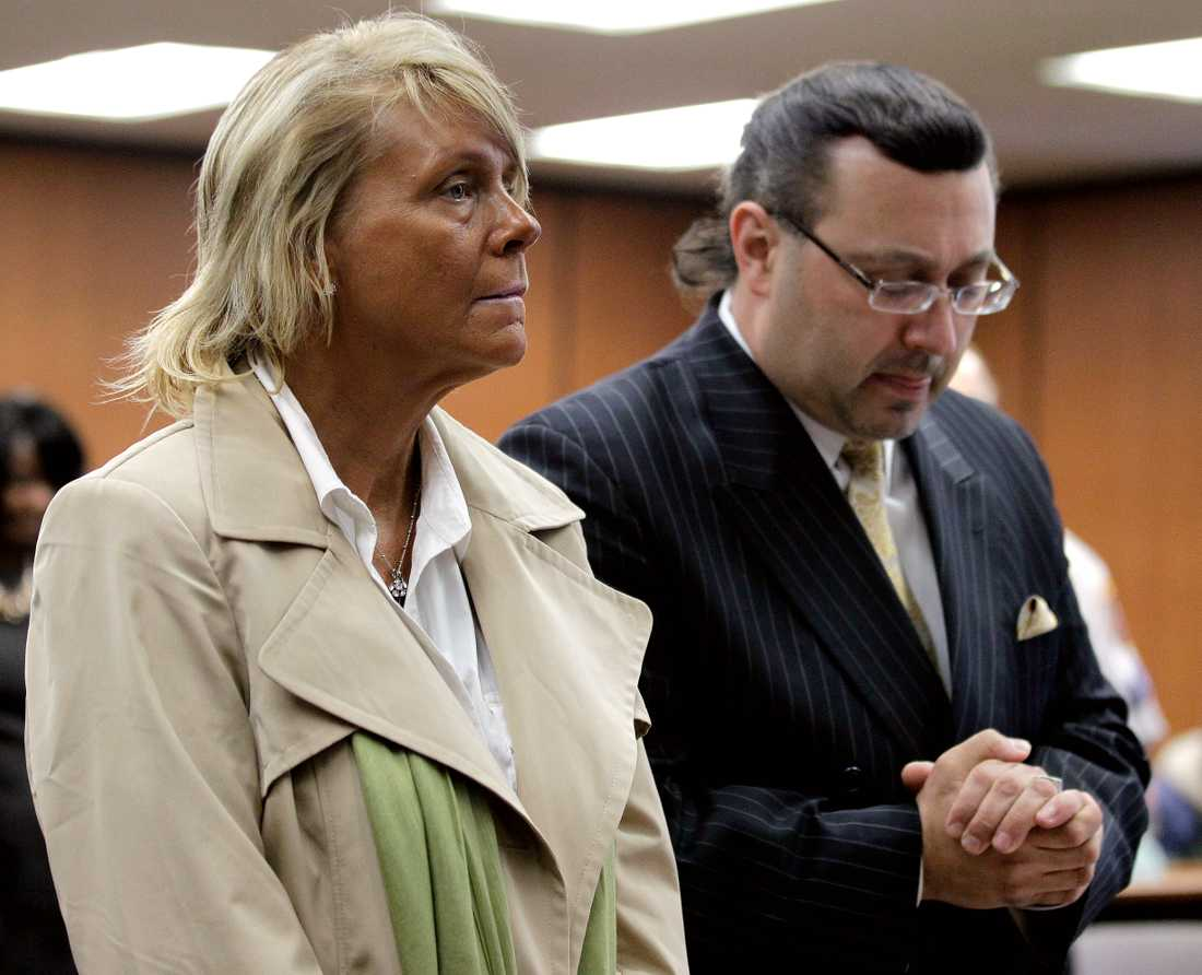 Patricia Krentcil med sin advokat under rättegången 2012.