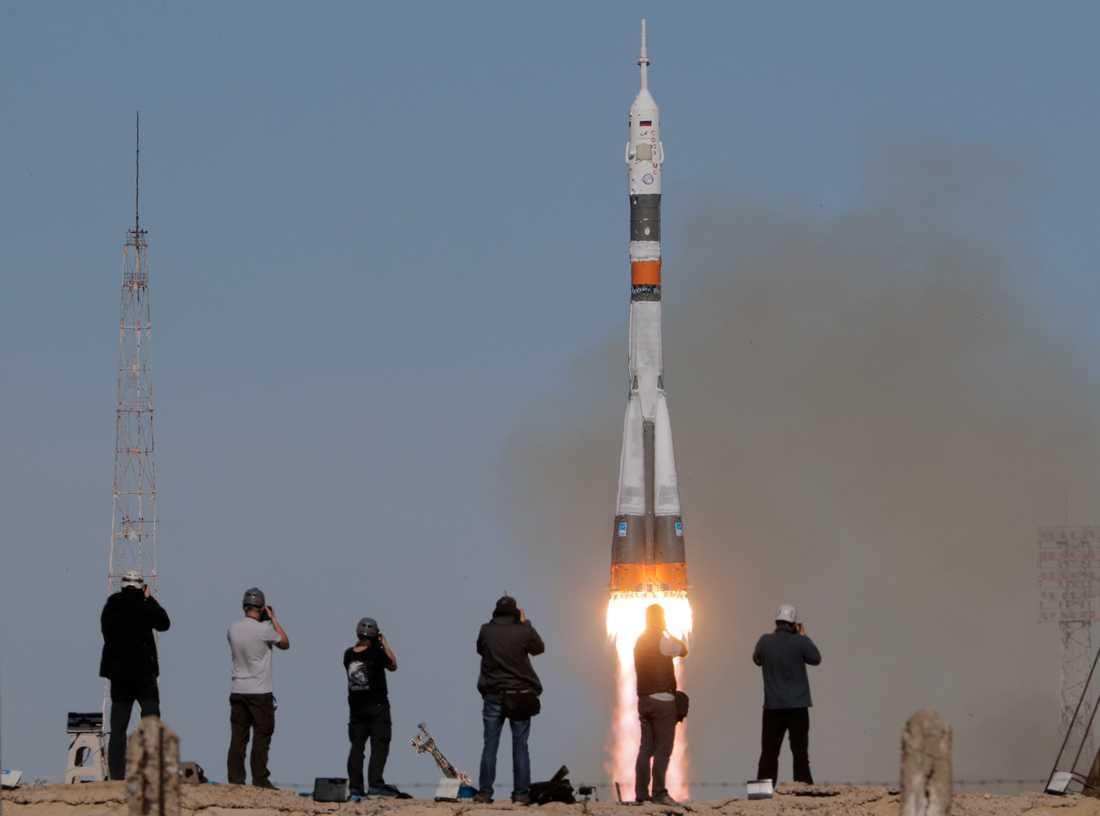 Den ryska rymdfarkosten Sojuz på väg upp. Arkivbild.