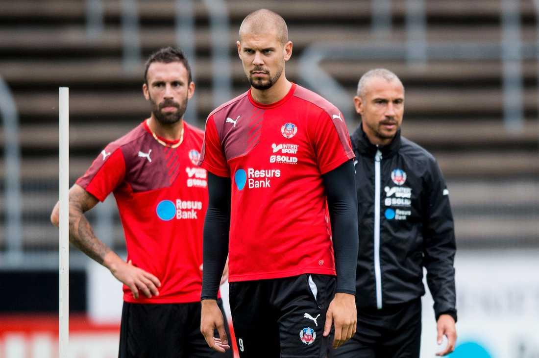 Rade Prica, Robin Simovic och manager Henrik Larsson under en träning.