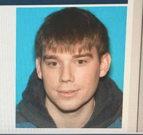 Polisen i Nashville har gått ut med en efterlysning på Travis Reinking, 29.