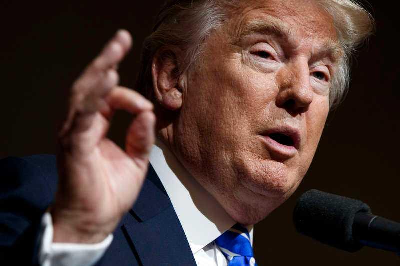Donald Trump eldade på sina anhängare inför rösträkningen i Washington.