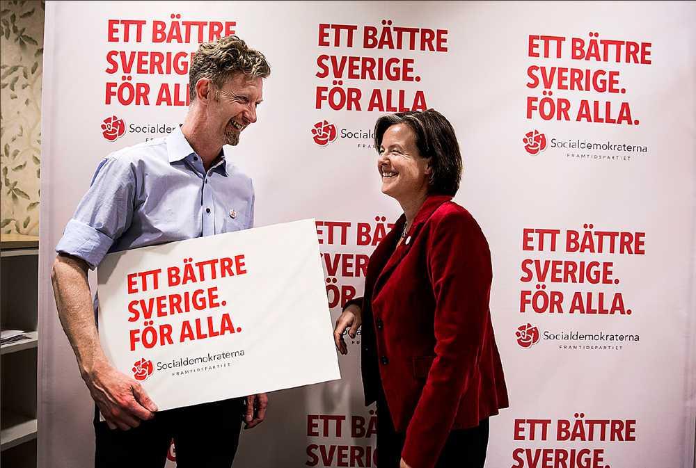 Socialdemokraternas valgeneral Jan Larsson och partisekreteraren Carin Jämtin.