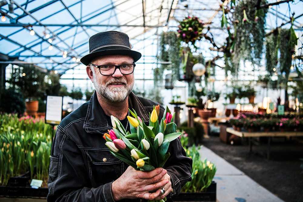 Bosse Rappne sätter färg på tillvaron med tulpaner och azaleor.