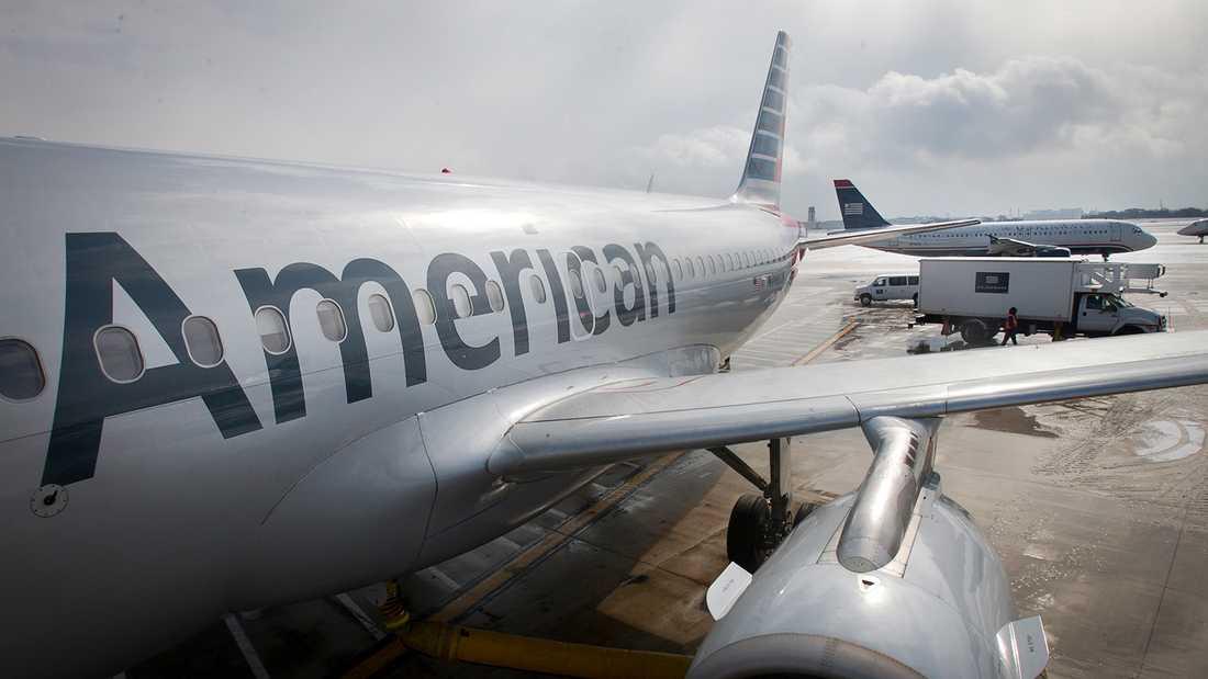 Det var på en American Airlines-flygning från Miami till Los Angeles som Jonathan Rhys Meyers gick loss.