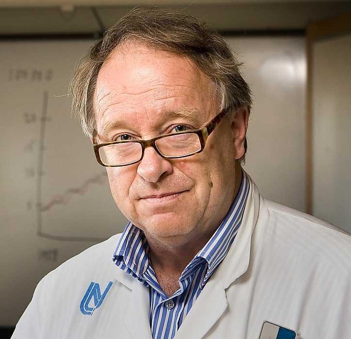 """klart samband """"Det är första gången alkohol pekas ut som en risk för tjocktarmscancer"""", säger Håkan Olsson, professor i onkologi."""