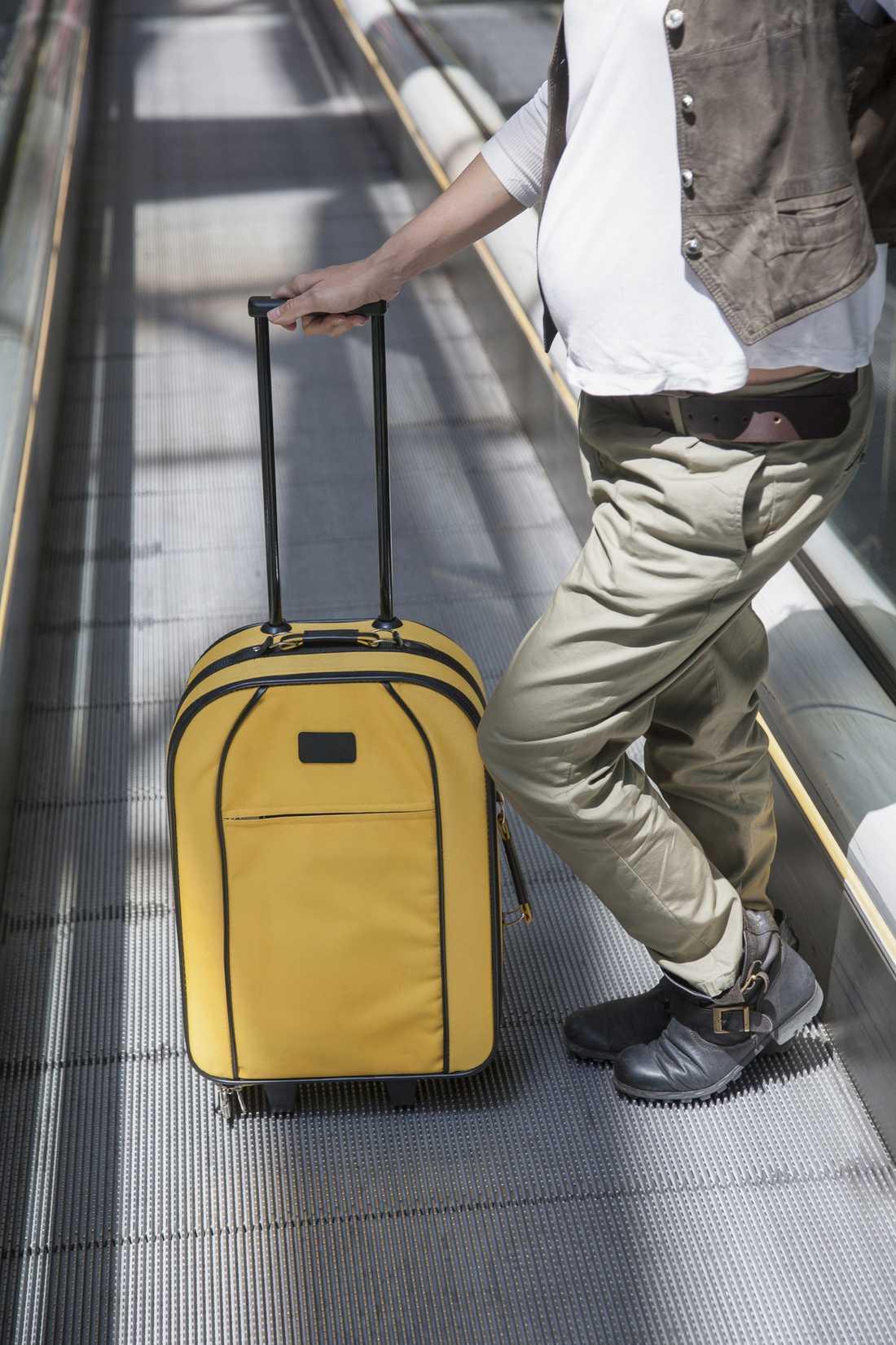 Flyger du med handbagage hos Ryanair kan du tvingas lämna in handbagaget.