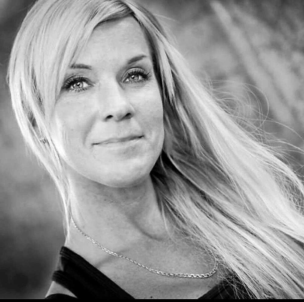 """Lotta Rudholm misshandlades till döds genom att Martin Jonsson slog henne med knytnävarna i ansiktet så svårt att en av poliserna som kom till platsen beskrev det som """"det värsta jag sett""""."""