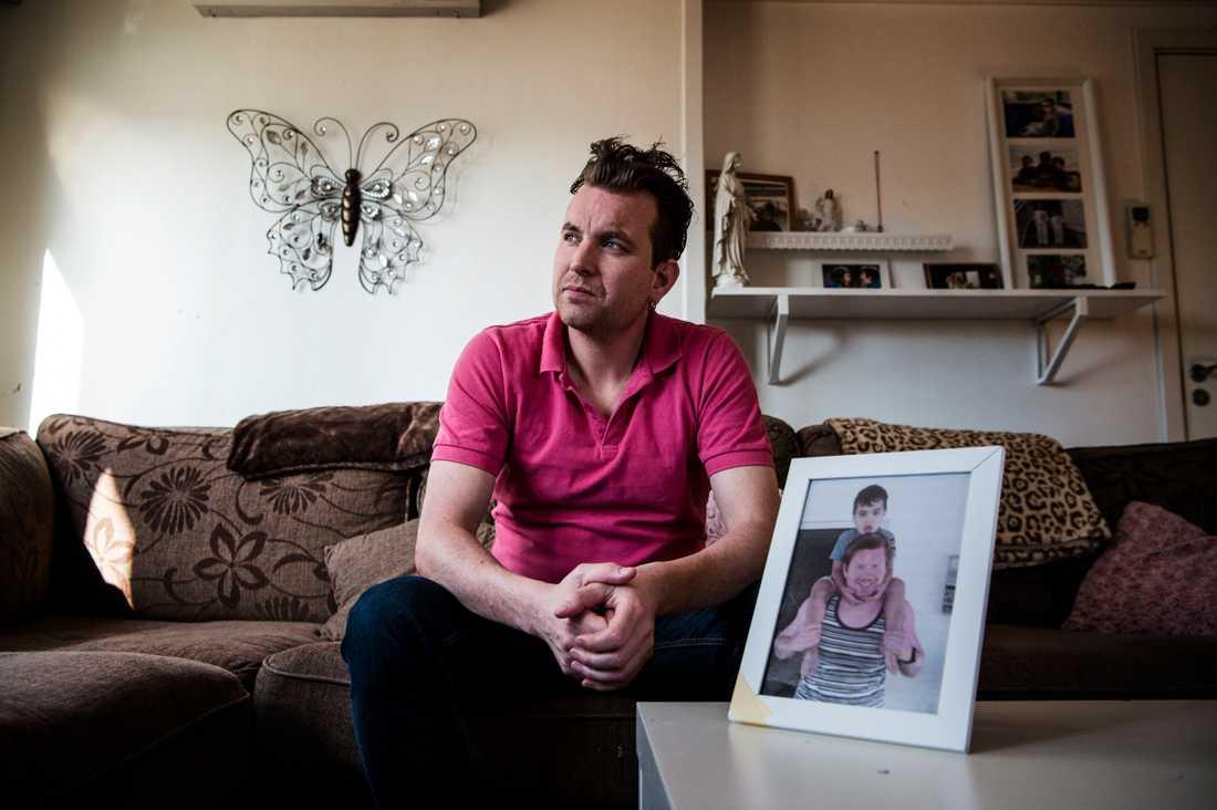 Johnny Svensson, 41, berättar om saknaden efter sin bror.