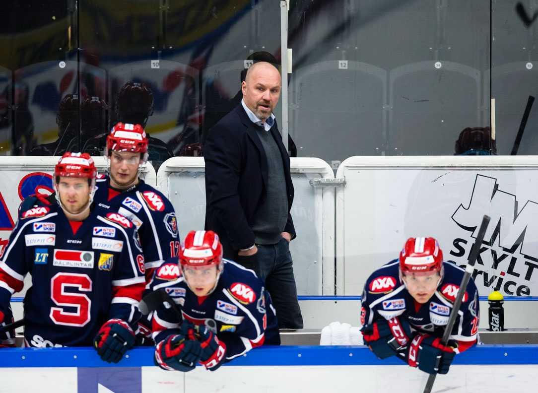 Får gå? Janne Karlssons dagar i SSK-båset kan snart vara räknade.