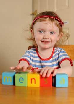 Två och ett halvt-åriga Beatrix Townsend är en av intelligensklubben Mensas yngsta medlemmar någonsin i Storbritannien.