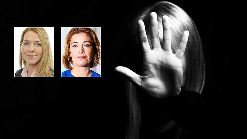 Våld i hemmet som utövas av män mot kvinnor har eskalerat. Att fler och fler länder, även inom EU, nu avkriminaliserar detta är helt oacceptabelt. Istanbulkonventionen är ett viktigt redskap i kampen mot den dolda pandemi som våld i hemmet faktiskt utgör, skriver Annika Strandhäll och Sara Heikkinen Breitholtz (S).