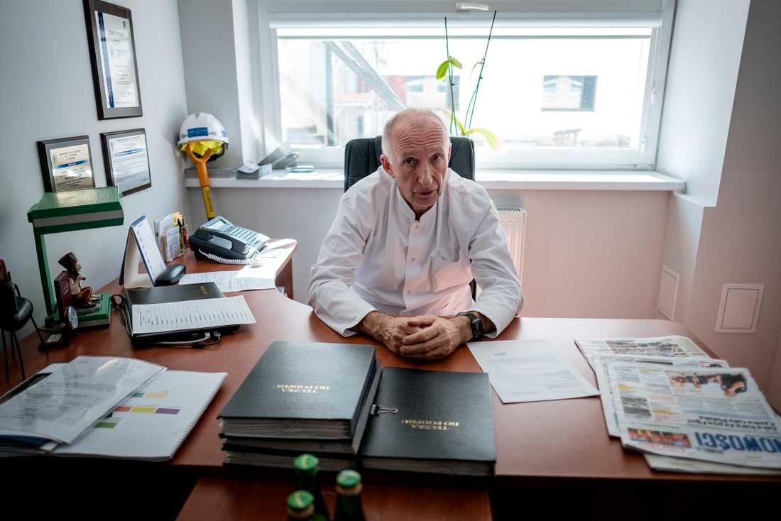 Överläkaren Marek Jackowski på det gamla sjukhuset i Torun, Polen, ser fram emot att få flytta till det nya.