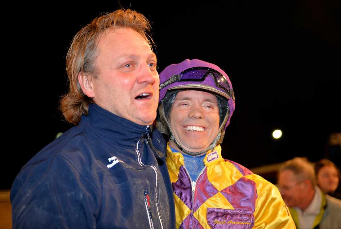 Håkan Arvidsson och Björn Goop efter segern i Breeders' Crown med Psycho i november 2014.