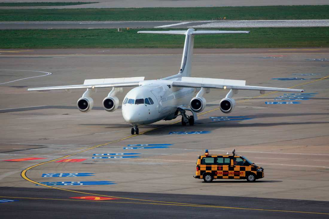 Ett flygplan av samma tillverkare och modell: Avro 146-RJ85