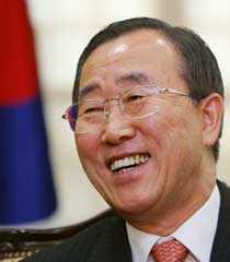 Ban Ki-Moon är en trevlig prick som inte retar upp stormakterna och som aldrig blir osams med någon.