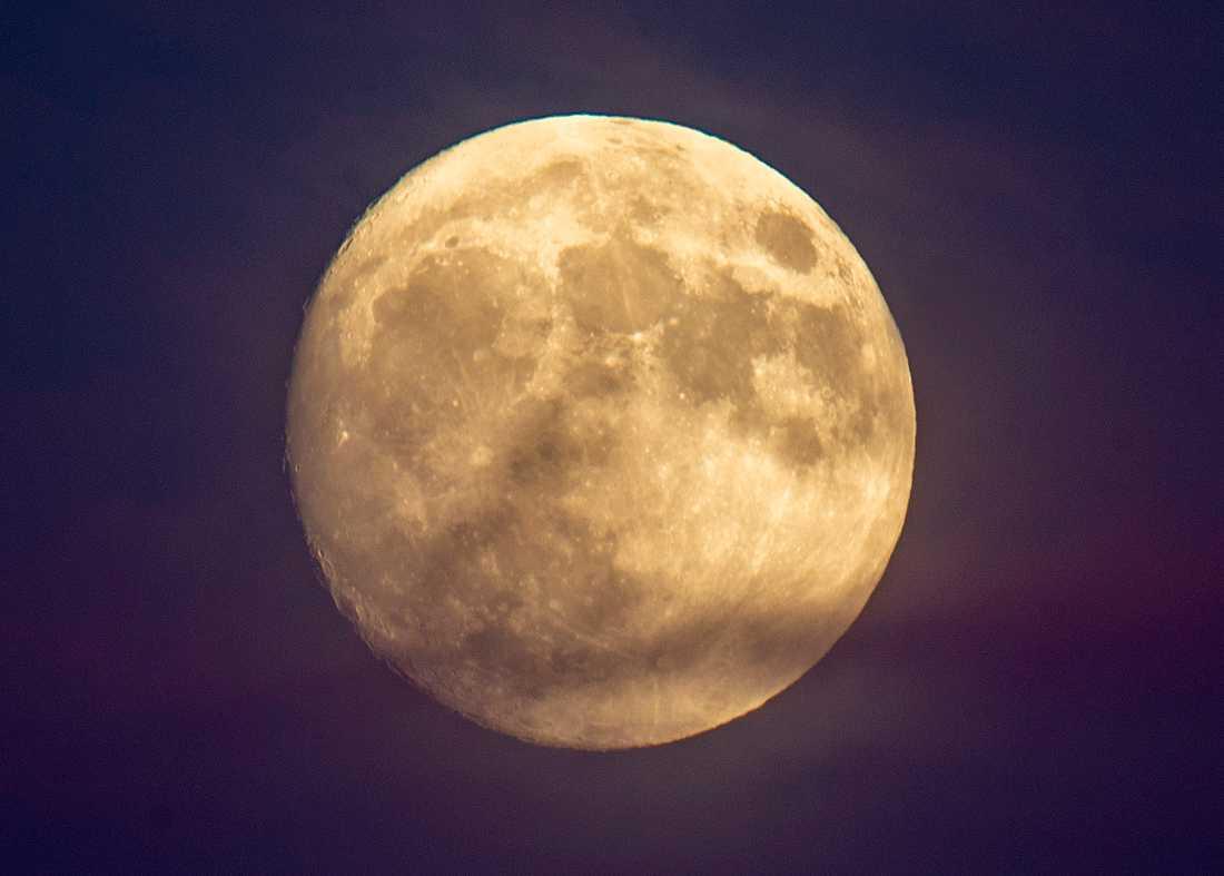 En kinesisk rymdsond har landat på månen. Arkivbild.