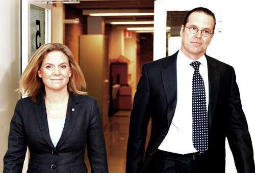 """Sågade vårbudgeten Magdalena Andersson gick hårt åt regeringen i sin första debatt mot finansminister Borg. Bland annat kritiserade hon vårbudgeten för att vara en """"utredningskatalog""""."""