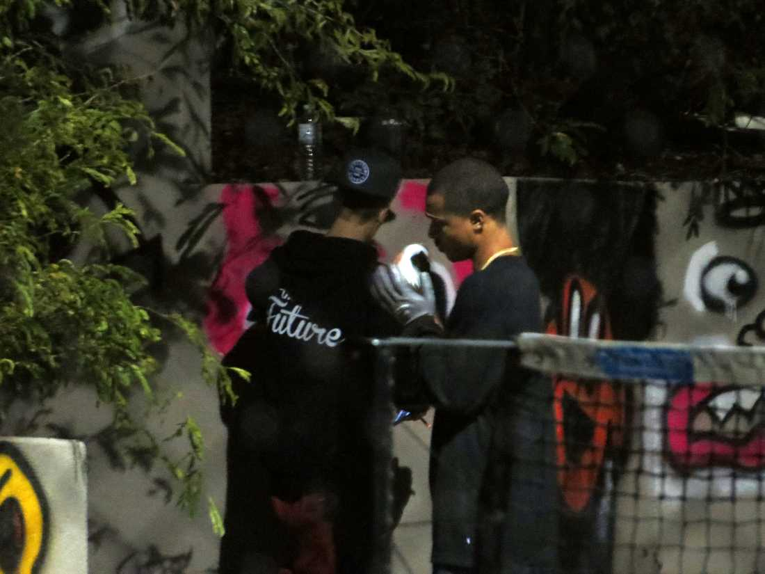 Här målar Bieber och hans crew.