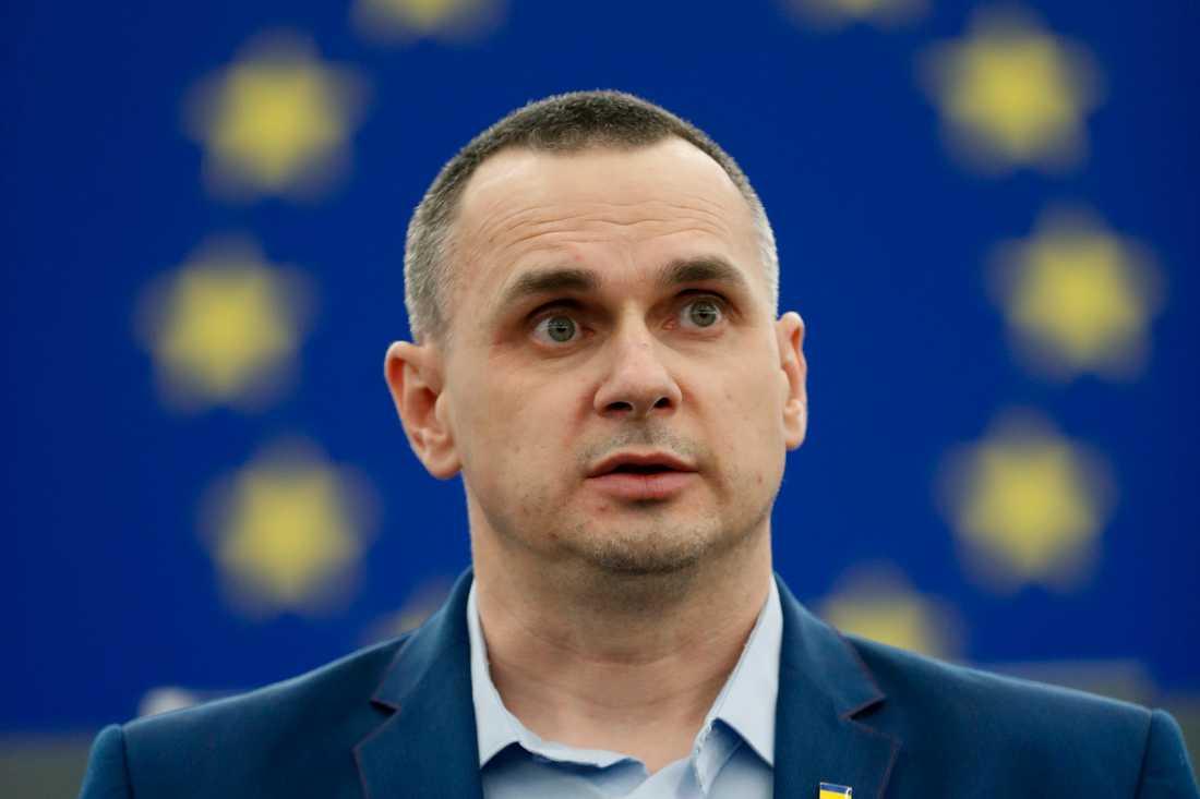 Ukrainske filmregissören Oleg Sentsov fick den 26 november till sist ta emot sitt Sacharov-pris i EU-parlamentet i Strasbourg.