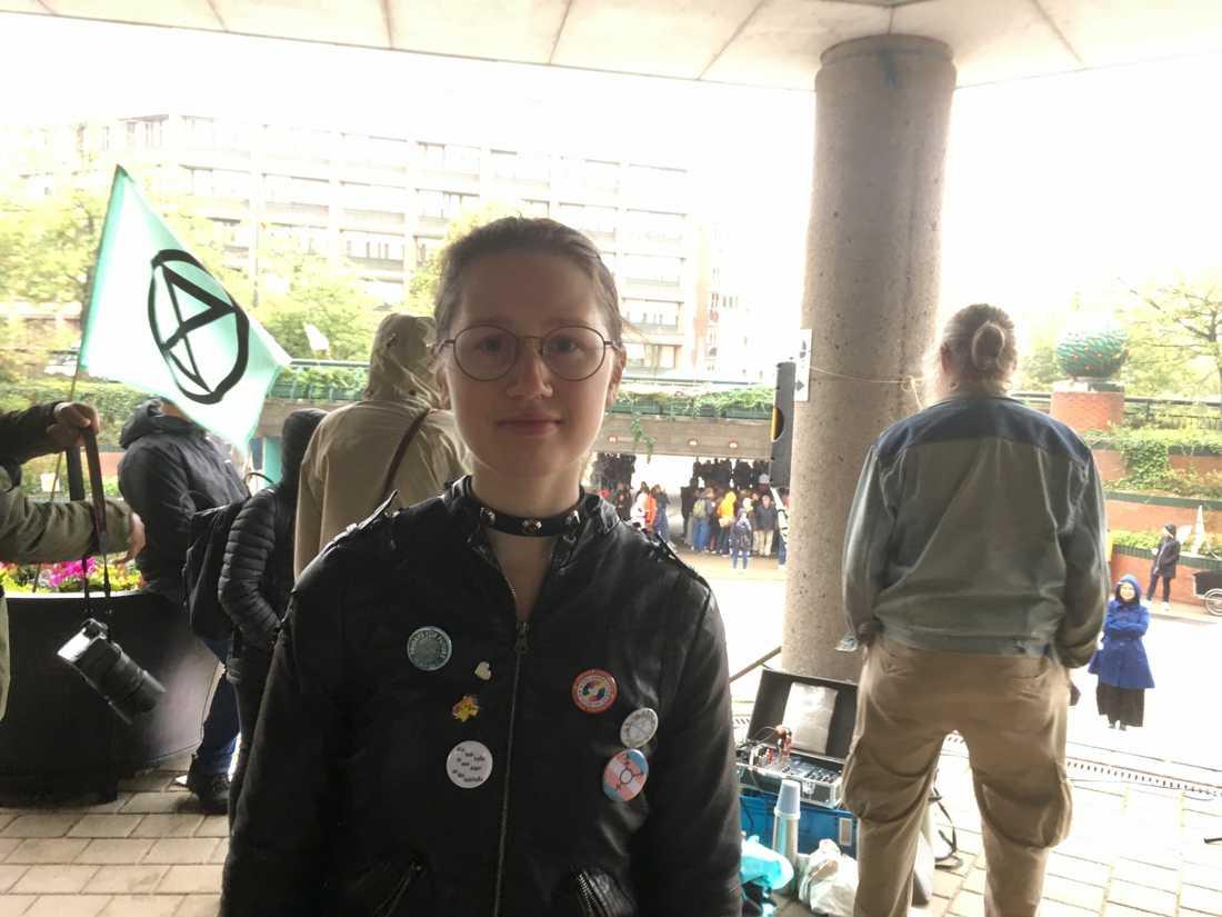 Cecilia Lundström sluter upp vid stadshuset så många fredagar hon har möjlighet.