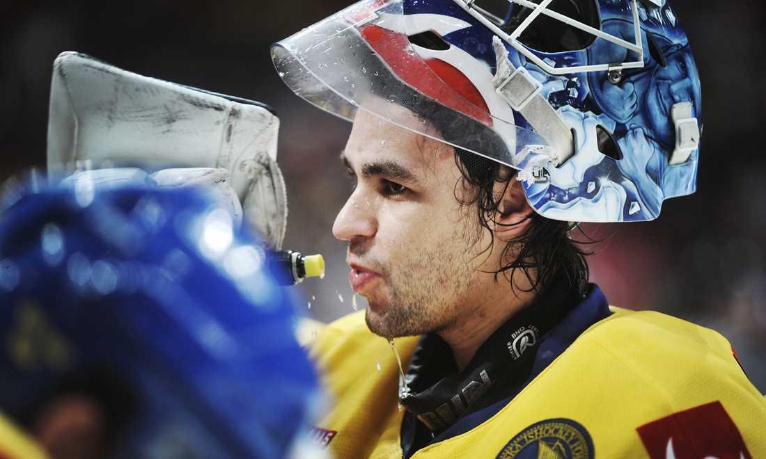 Stefan Liv i LG Hockey Games 2011. Matchen mot Ryssland slutade 6-2 till Tre Kronor.