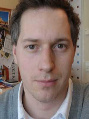Lön. 22 950 kronor. Jesper Hammarström, 31.  – Jag läste i den lokala tidningen häromdagen att politikerna i Kalmar anser att gymnasielärarna i Kalmar har bra löner! Hur kan man uttala sig så då det finns massvis med lärare i Kalmar som tjänar så otroligt dåligt i förhållande till utbildning och ansvar?