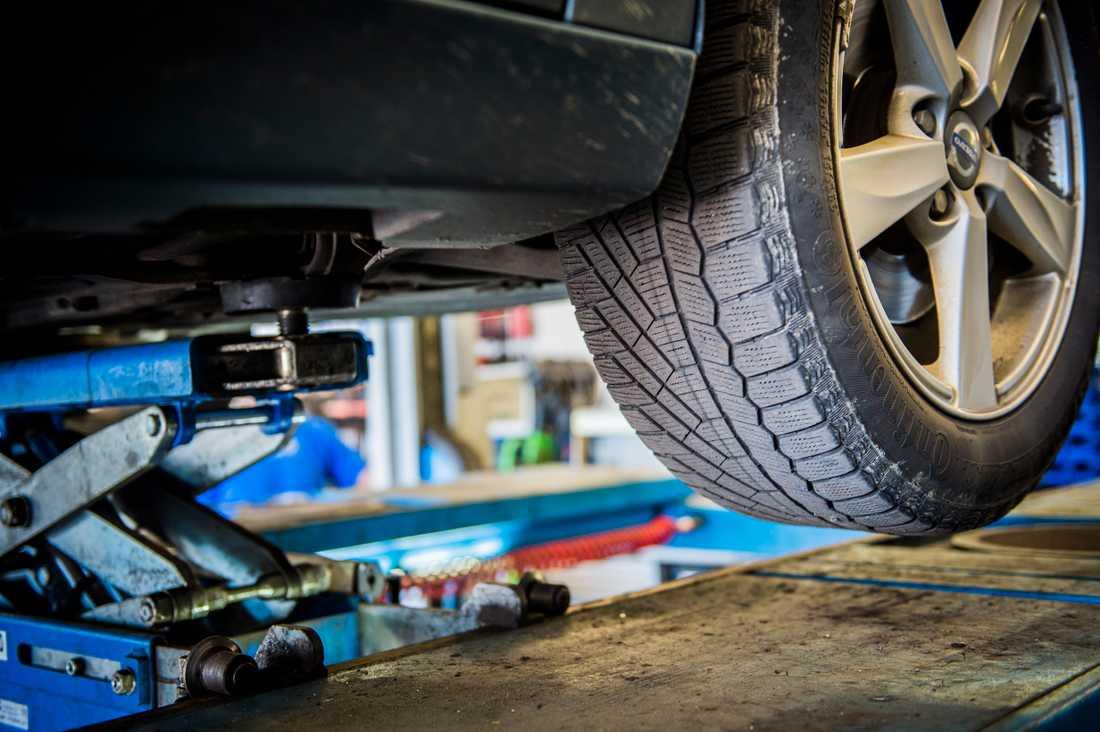 En av tre reparationer fick anmärkning i en kontroll av bilverkstäder som gjorts av Trafikförsäkringsföreningen. Totalt granskades 1300 reparationer. Arkivbild.