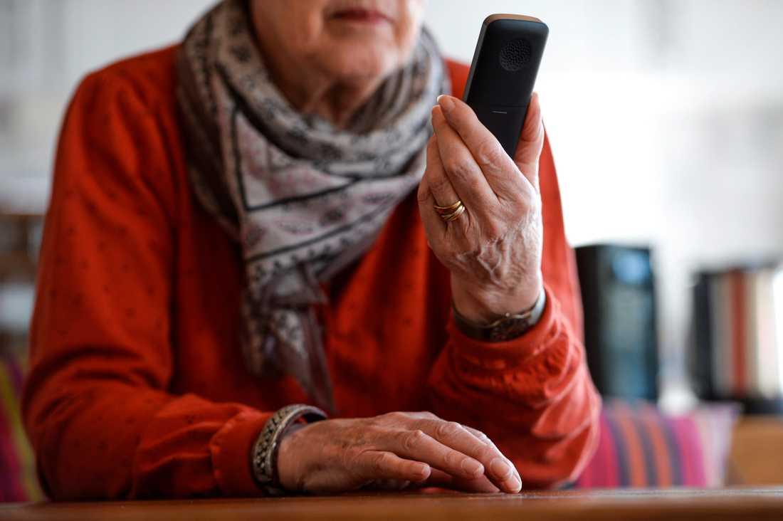 Regeringens nya lagförslag värnar framför allt om äldre personer, som kan vara en måltavla för oseriösa säljare.