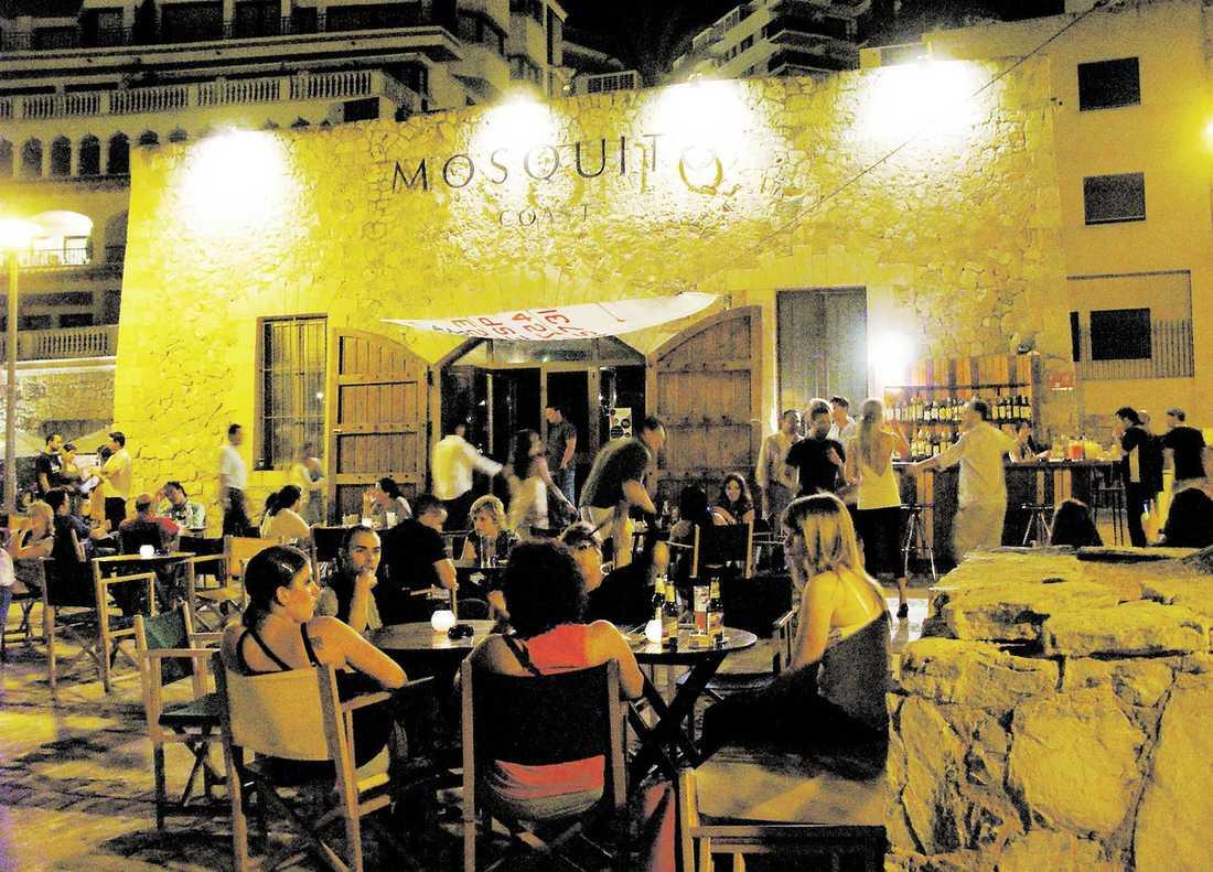 Trendigt Nattlivet i Palma har fått ett rejält lyft, med klubbar som lockar med annat än skumpartyn – som här klubben Mosquito i hamnen C'an Barbara.