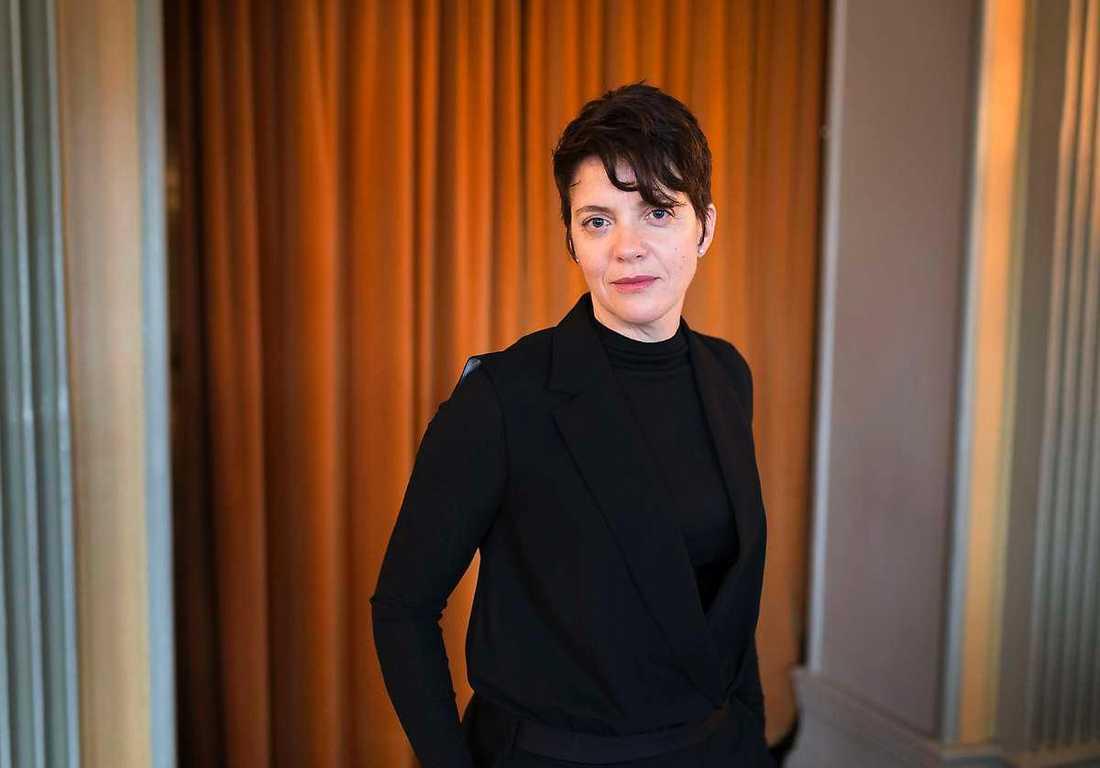 """Spelar omdiskuterad författare """"Jag försvarar Kerstin Thorvall til döddagar"""", säger Cilla Thorell."""