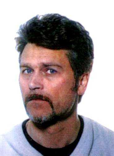 Tv-fotografen Ulf Strömberg sköts till döds av unga rånare i natt.
