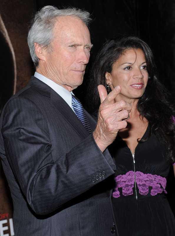 Clint Eastwood och hans nära 40 år yngre numera före detta hustru Dina
