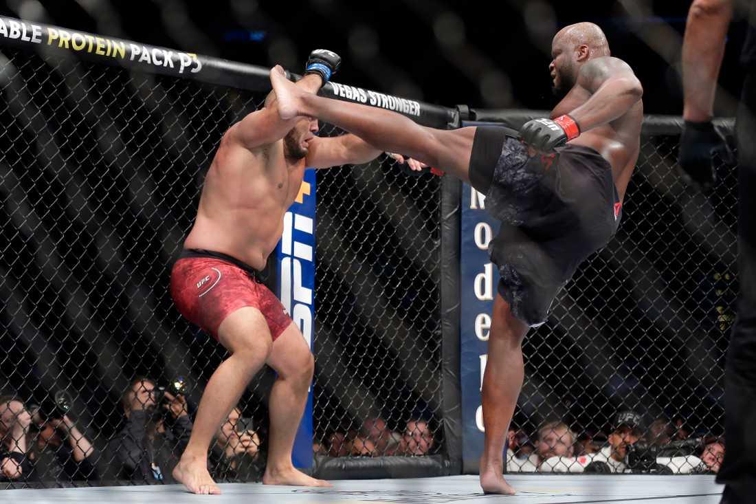 Latifi har 7 segrar på 13 matcher i UFC .