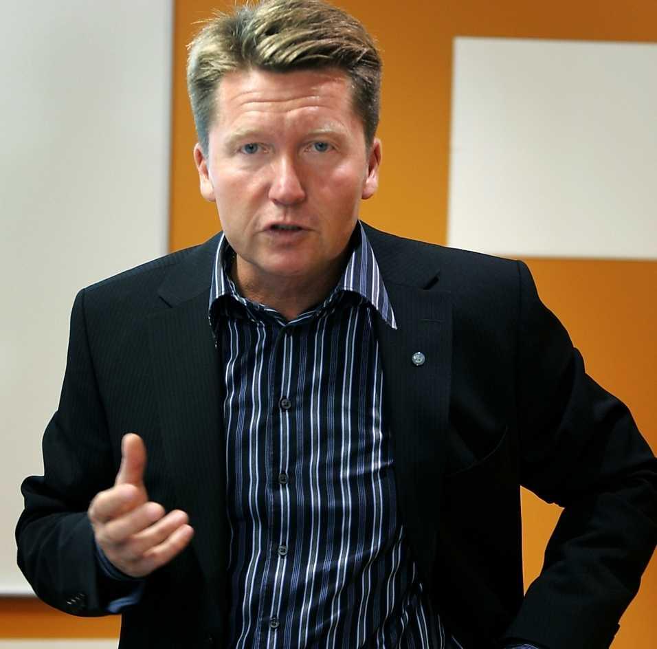 Erik Olsson, sparkad vd på Posten.