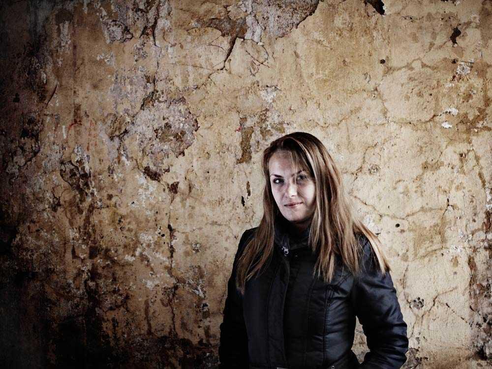 Evgenias har lyckats komma in på en kvinnojour, att få hennes papper i ordning tog en vecka.