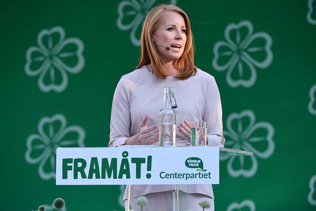 Annie Lööf (C) håller tal i Almedalen.