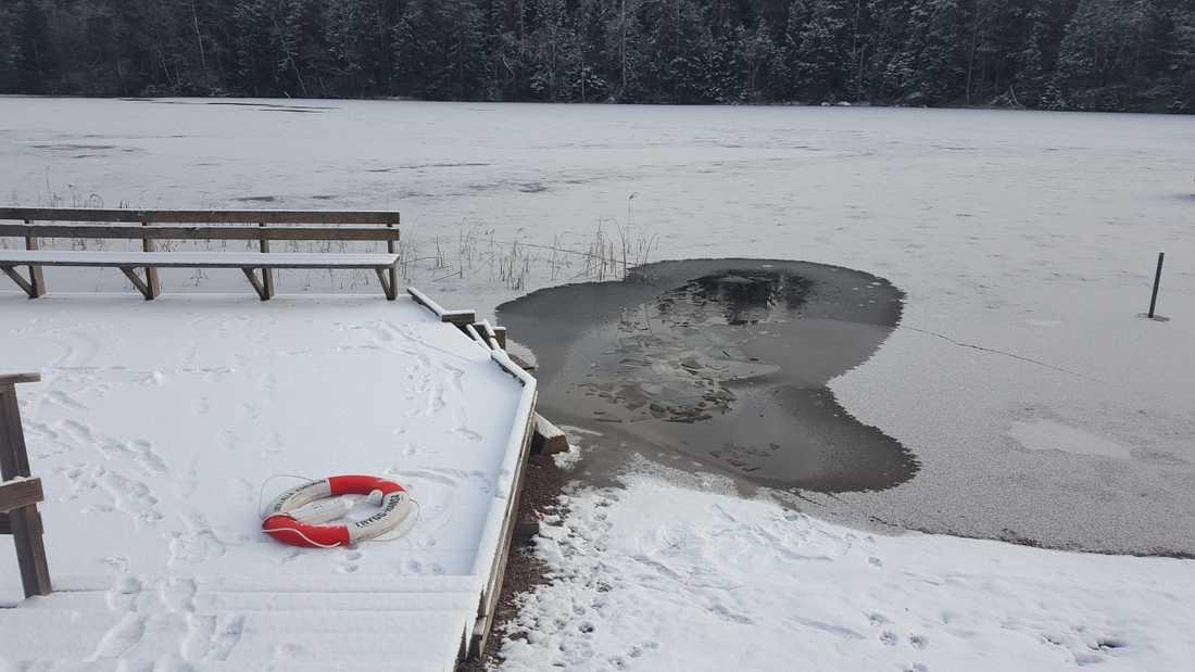 Här gick Hilda genom isen på Bjursjön.