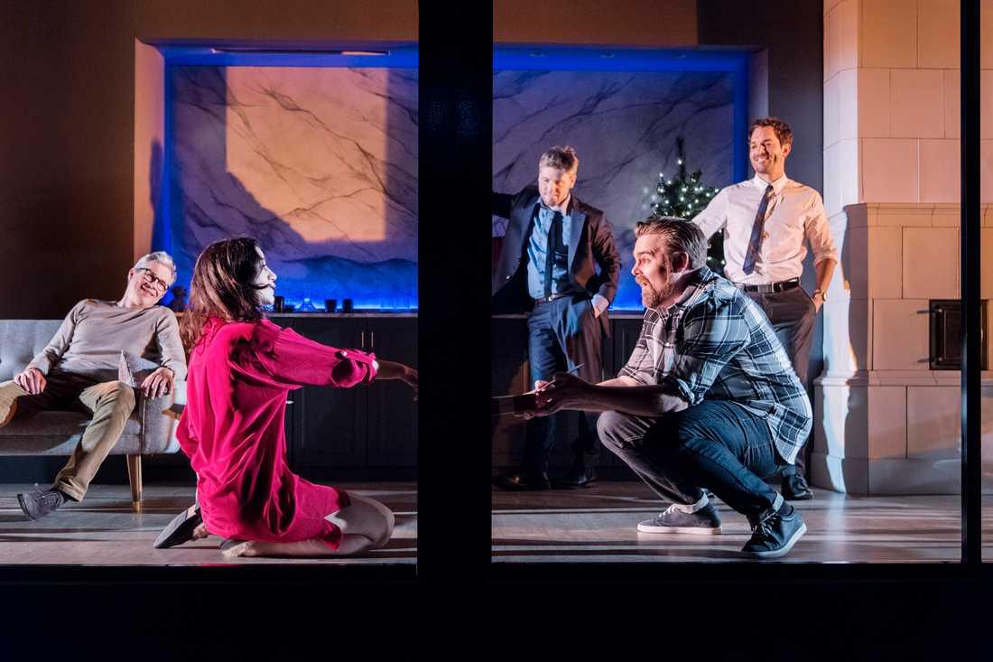 Henrik Ibsens Ett dockhem i regi av Yana Ross på Göteborgs stadsteater