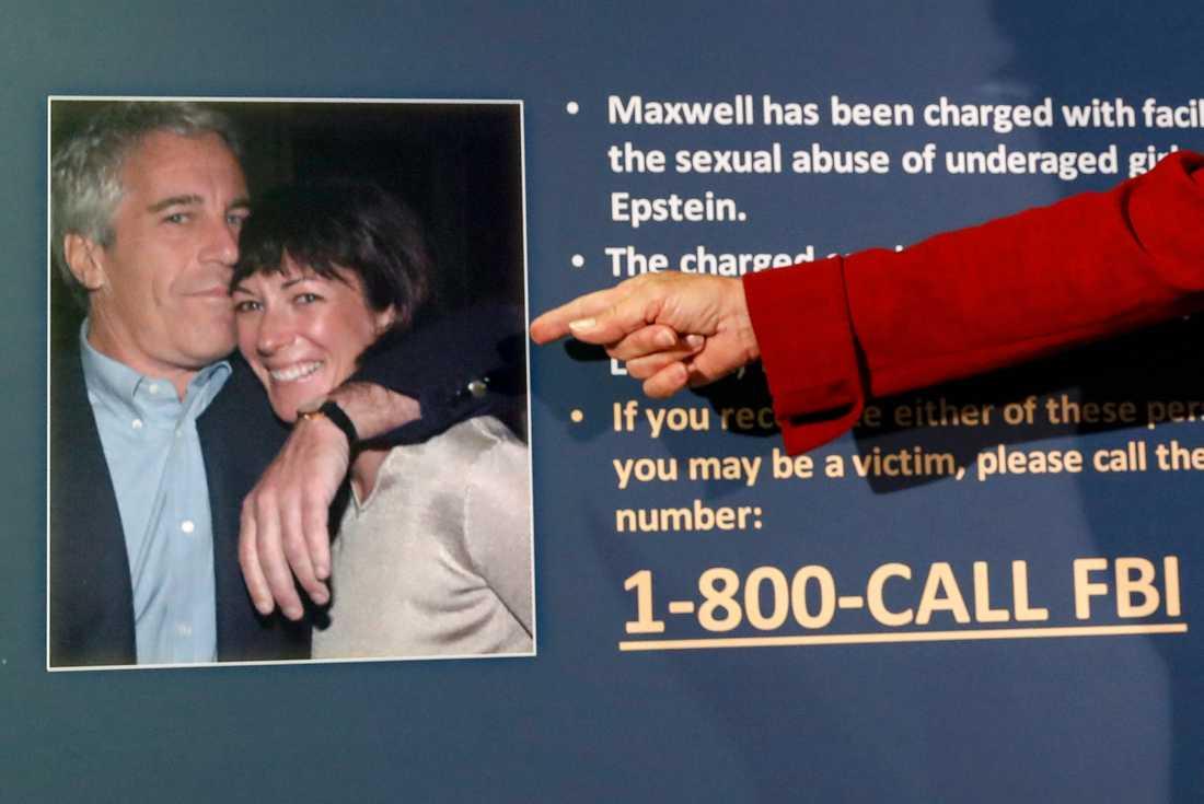 Åklagaren visade i förra veckan en äldre bild på Ghislaine Maxwell och Jeffrey Epstein i samband med att åtalspunkterna mot Maxwell presenterades. Arkivbild.