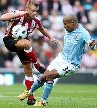 RÅSKINN Lee Cattermole, Sunderland och Nigel De Jong, Manchester City, är två av Premier Leagues fulaste spelare, sett till antalet varningar.