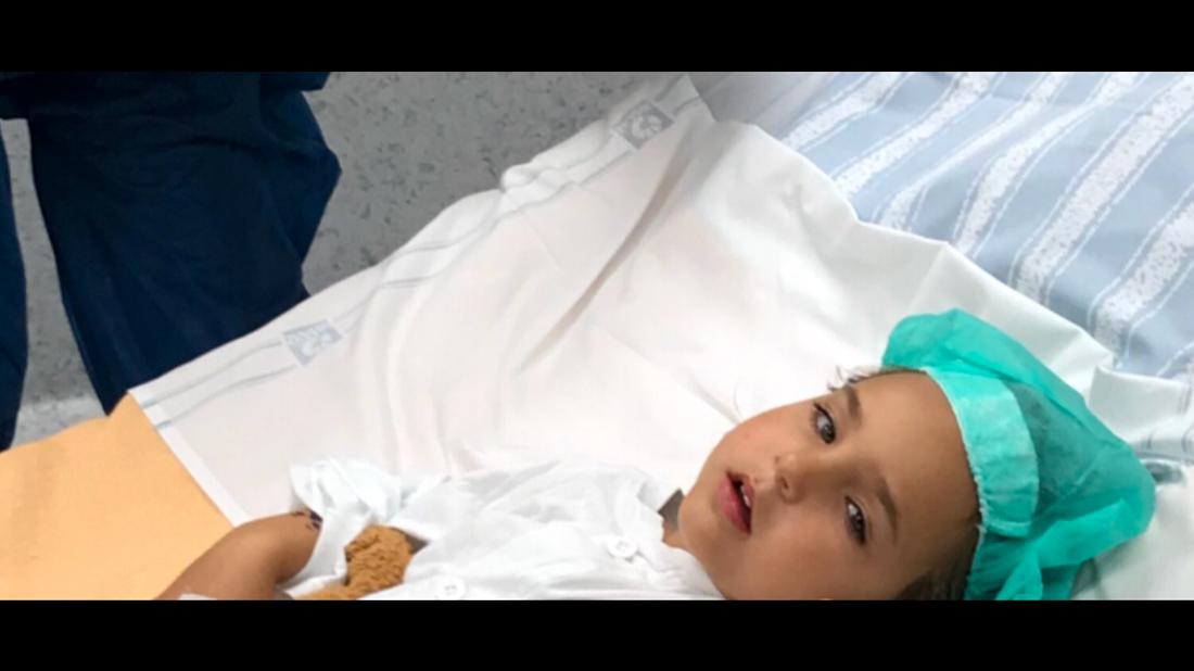 Nea, 4, har opererats efter olyckan på lekparken i Lund.