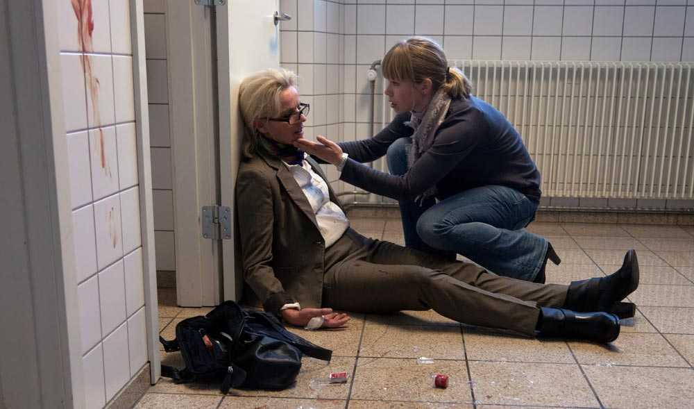 """Benedikte Hansen (Hanne Holm) och Birgitte Hjort Sørensen (Katrine Fønsmark) i danska """"Borgen""""."""