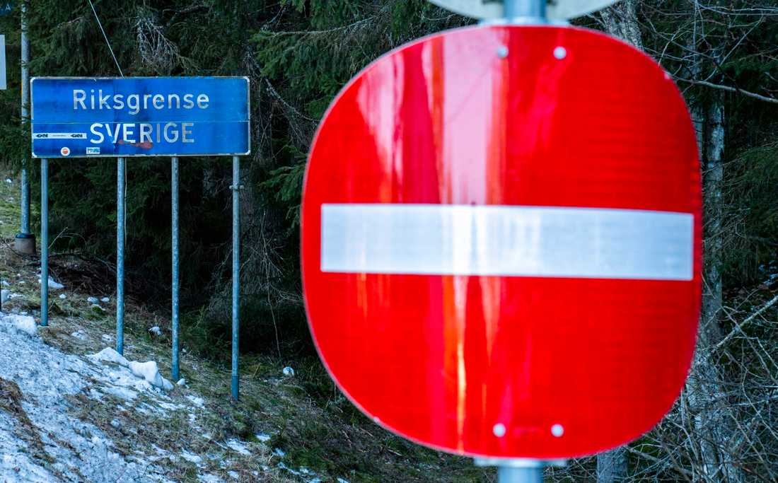 Regeringen måste få Norge att öppna gränsen för alla arbetspendlare, anser Vänsterpartiet. Arkivbild.
