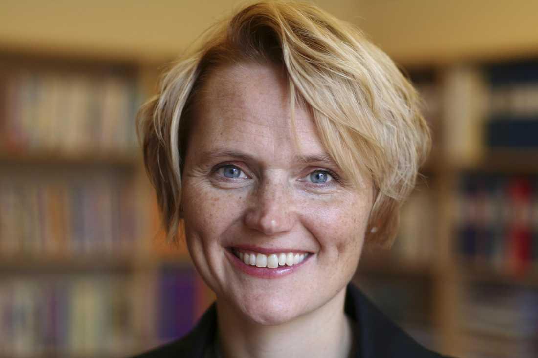 Anna Karin Hatt, (c) IT- och Regionminister (bitr Näringsminister).