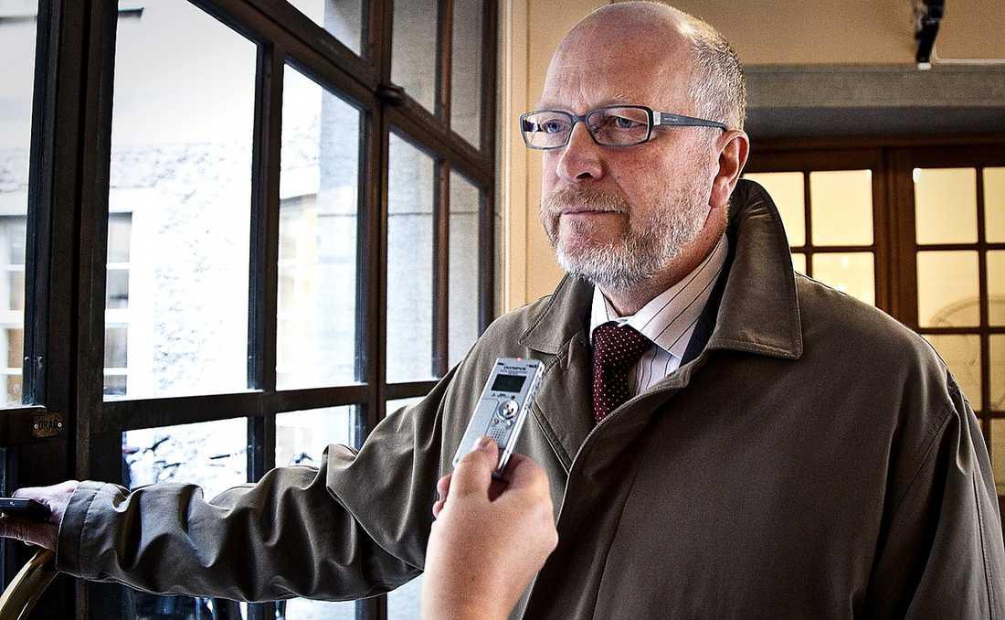 TIPPAD Enligt källor till Aftonbladet hängs Pär Nuders namn ut som partiledarkandidat bara för att startfältet ska öppnas upp för Sven-Erik Österberg.