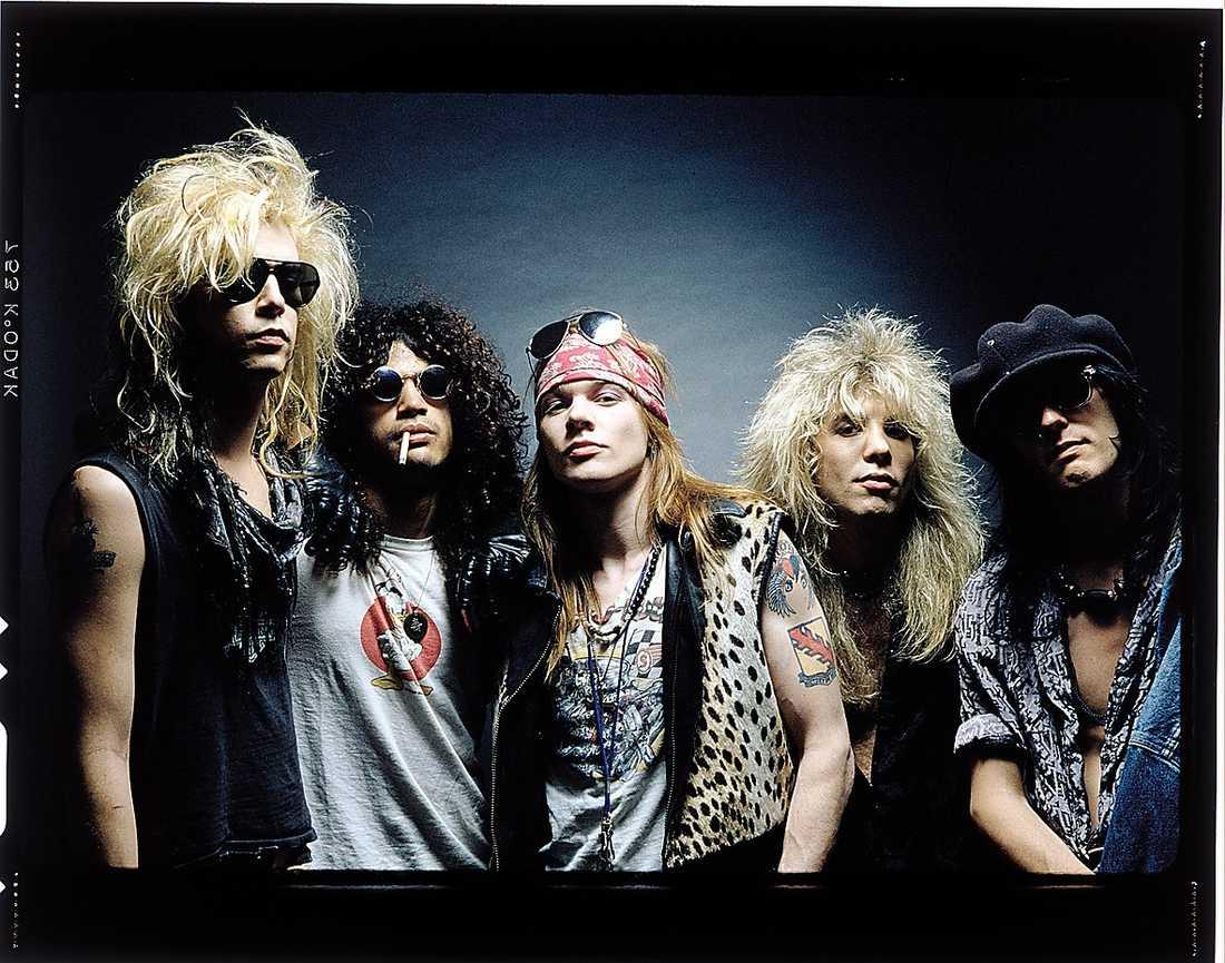 Duff McKagan, Slash, Axl Rose, Steven Adler och Izzy Stradlin i Guns N' Roses originaluppställning 1988.