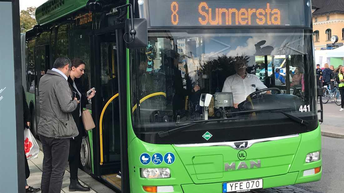 Bussarna fortsätter som vanligt på Valborg.
