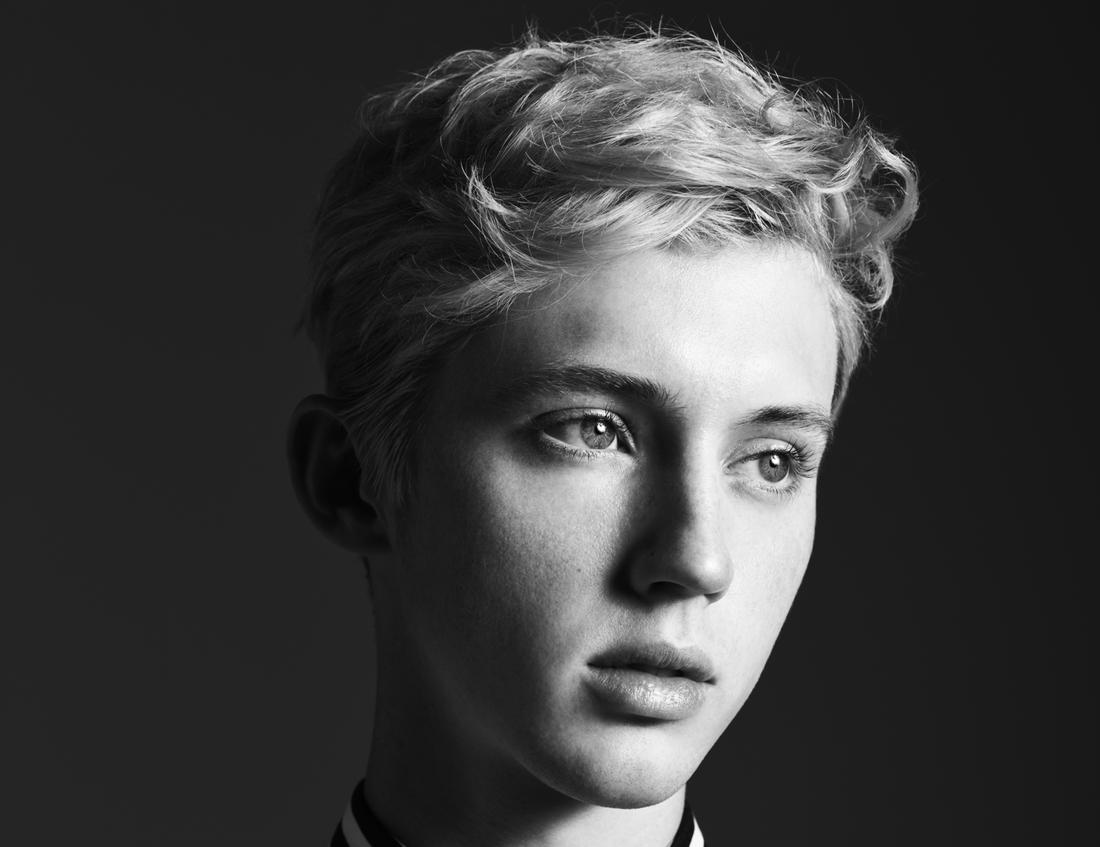 Troye Sivan, fotograferad av den franske modedesignern Hedi Slimane.