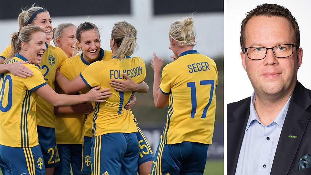 Trots att jobbet som elitfotbollsspelare kräver precis lika mycket för män som för kvinnor är kvinnornas villkor ljusår ifrån männens. Kvinnornas lön är usel, villkoren dåliga och karriären riskerar att utebli, skriver Martin Linder, förbundsordförande Unionen.