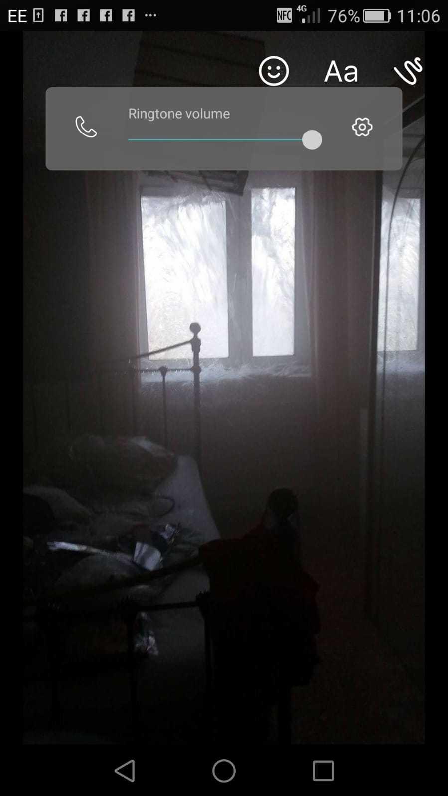 Det var nya fönster i huset men röken välde ändå in i lägenheten.